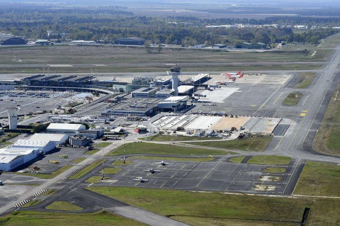 Vue aérienne de l'aéroport de Bordeaux-Mérignac, le 4 avril.