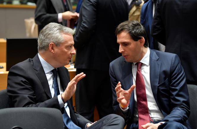 Les ministres de l'économie des Pays-Bas, Wopke Hoekstra (à droite), et de la France, Bruno Le Maire, à Bruxelles, le 18 février.