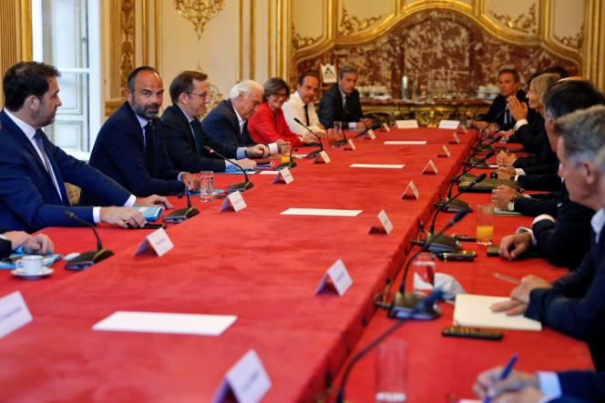 Edouard Philippe, au début d'une réunion avec tous les dirigeants des partis politiques, à l'hôtel Matignon, à Paris, le 20 mai.