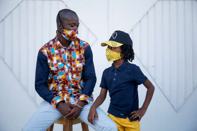 Le masque, nouvel accessoire tendance d'une Afrique coquette