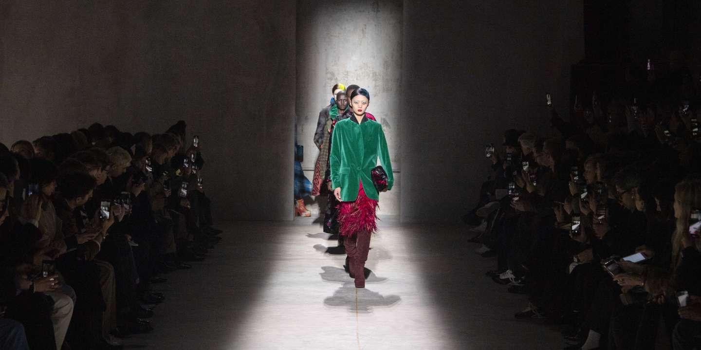 Réduire les voyages inutiles, repenser les défilés… lettre ouverte pour un changement profond de la mode