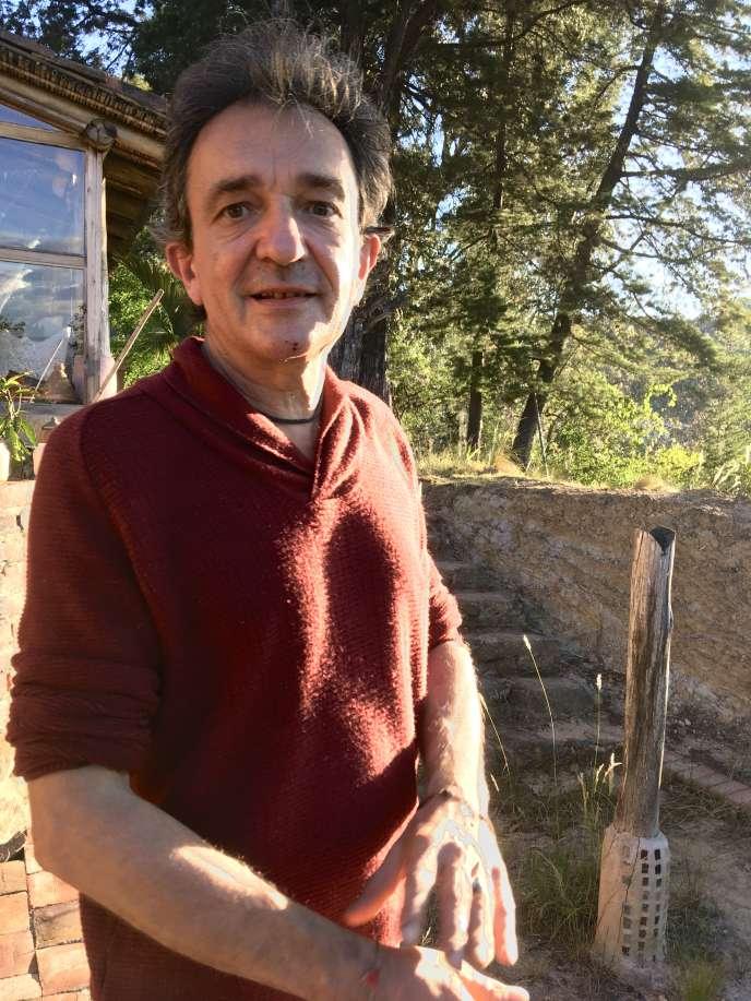 Le philosophe Bruno Tackels, confiné chez lui en Colombie, en mai 2020.
