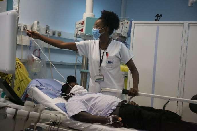 Au service des urgences du Centre Hospitalier de Mayotte (CHM) de Mamoudzou, le 21 mai.