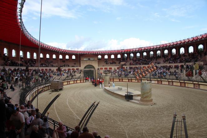 Un spectacle de chevaliers au parc historique du Puy du Fou, en septembre 2013.