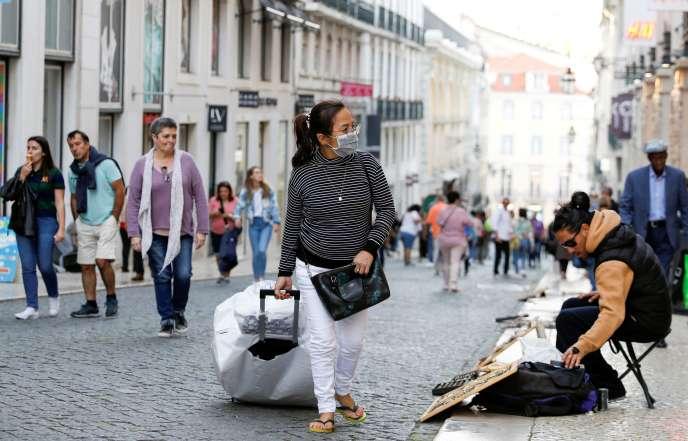 Dans les rues de Lisbonne, le 12 mars.