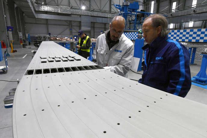 Des techniciens travaillant sur le programme nucléaire ITER, sur le site de CNIM, le 14 octobre 2016.