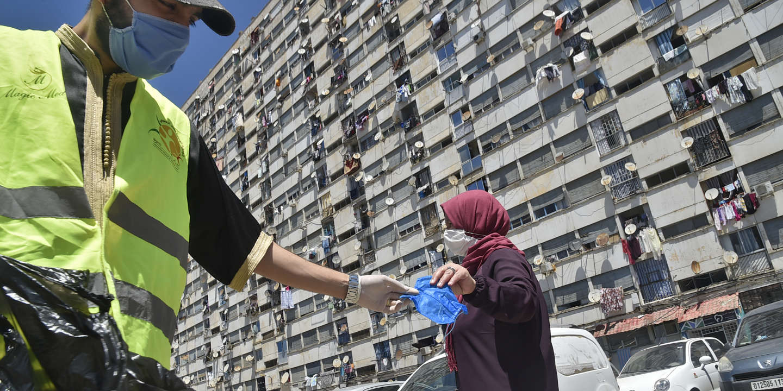 Coronavirus : en Algérie, les autorités durcissent le confinement pour l'Aïd