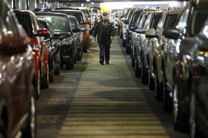 Sur le parking de lacompagnie de location de voitures américaine Hertz, à l'aéroport international de Toronto au Canada, le 1er avril.