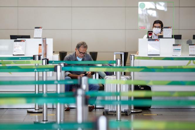 A l'aéroport international de Brasilia, dimanche 24mai.