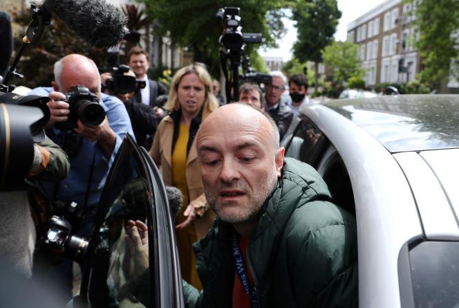 Dominic Cummings quitte sa résidence londonienne, le 24 mai.