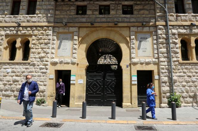 L'entrée principale de l'université américaine de Beyrouth, le 7 mai.