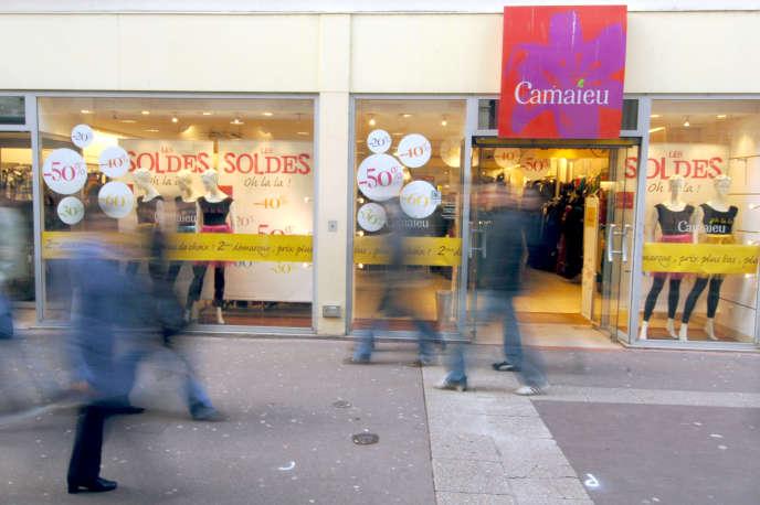 Devant un magasin Camaïeu, à Caen, en 2007.