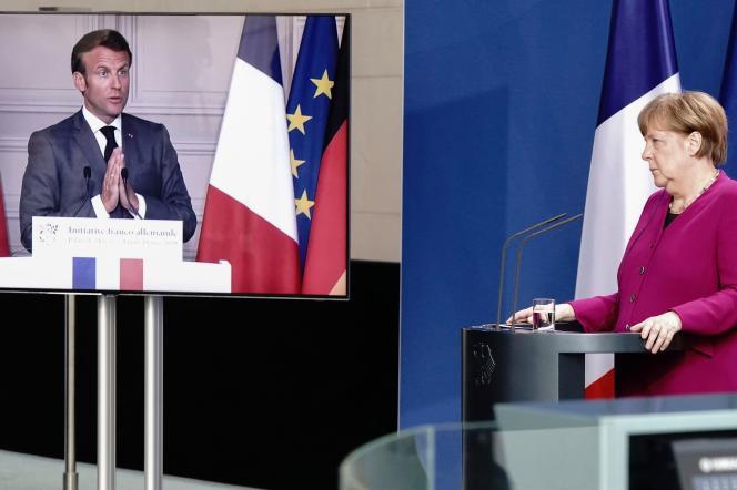 La chancelière, Angela Merkel, lors d'une visioconférence avec le président, Emmanuel Macron, à la chancellerie de Berlin, le 18 mai.