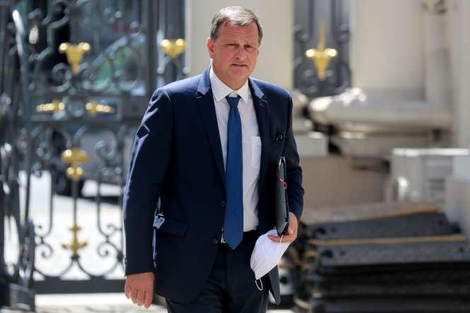 Le député des Pyrénées-Orientales et candidat (Rassemblement national) à la mairie de Perpignan, Louis Aliot, le 27 mai 2020, à Paris.
