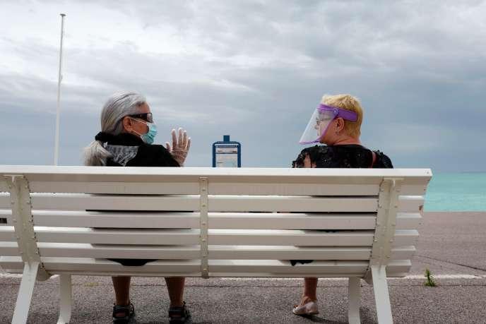 Sur la promenade des Anglais à Nice, le 16 mai.