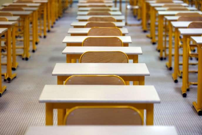 Une salle d'examen vide au lycée Pierre-Gilles-de-Gennes, à Paris, le 8 janvier 2014.