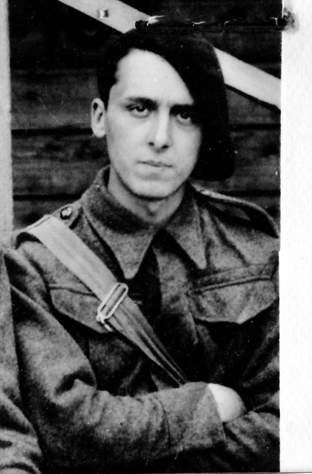 Daniel Cordier à Delville Camp en Angleterre en juillet 1940.