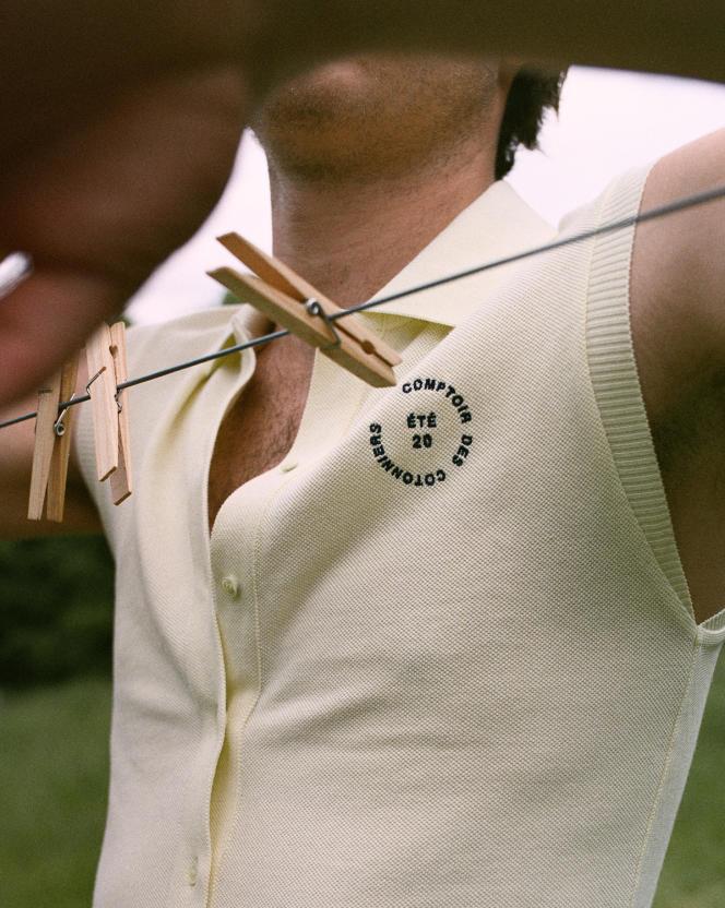 Gilet sans manches à col polo en piqué de coton, Comptoir des Cotonniers, 65€.