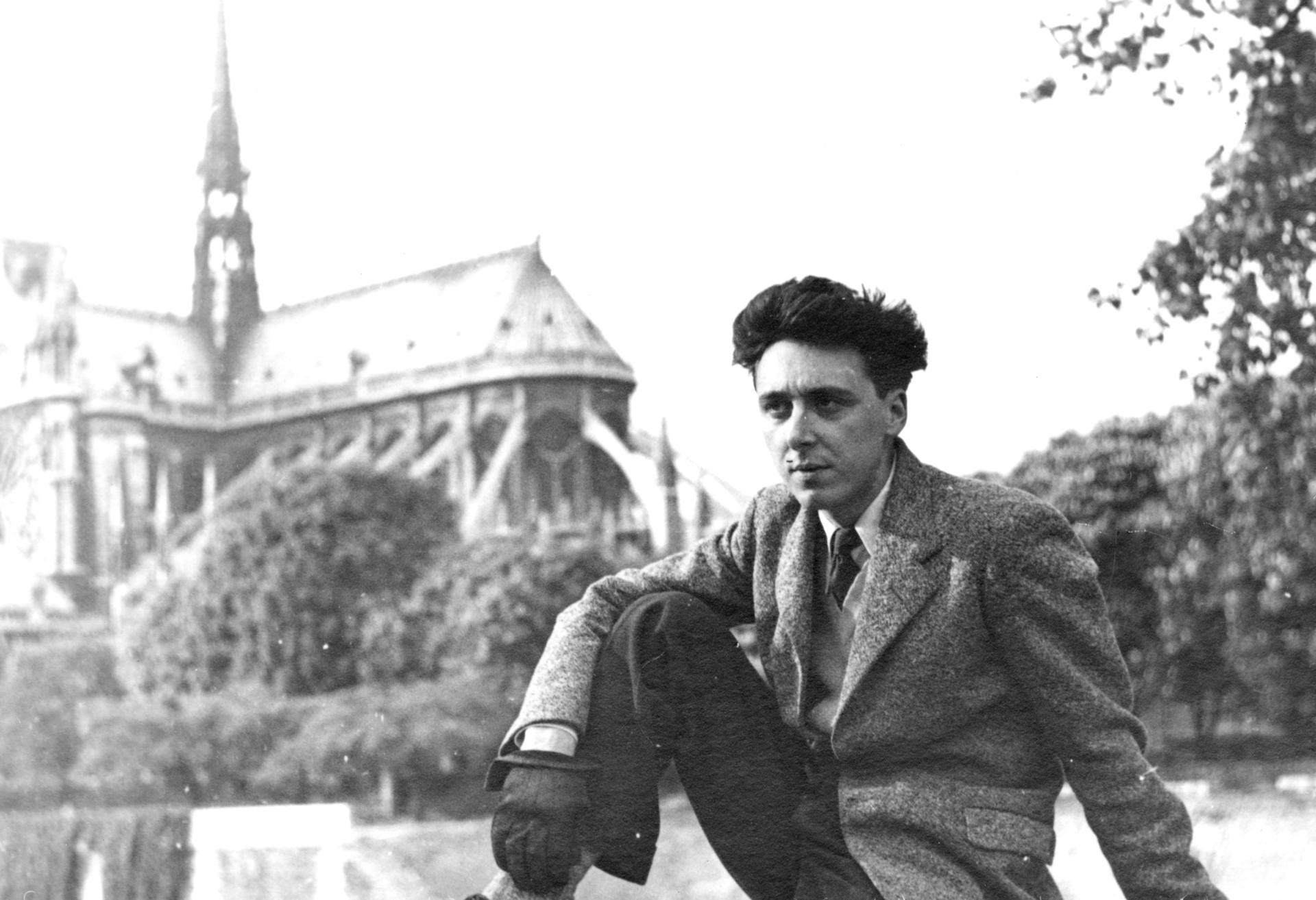 Daniel Cordier à Paris en 1945.