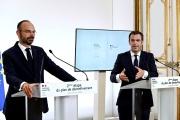 Edouard Philippe et Olivier Véran, lors de l'annonce des nouvelles mesures de déconfinement, à Matignon, le 28 mai.
