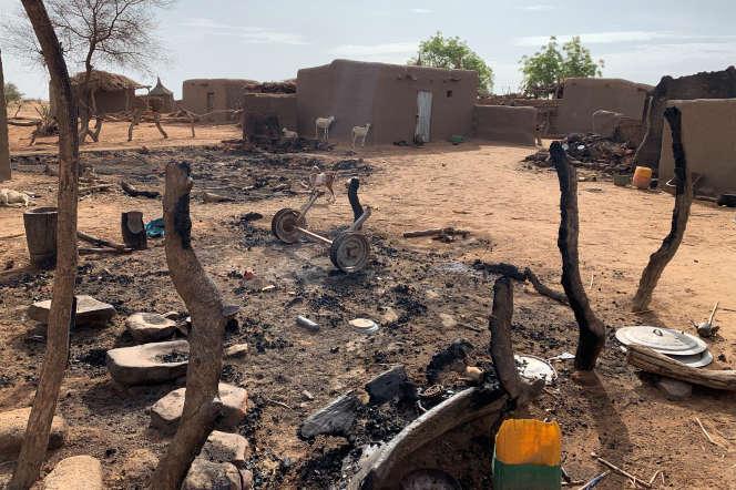 Une partie du village dogon détruit de Sobane Da, dans le centre du Mali, cible d'une attaque le 11 juin 2019.
