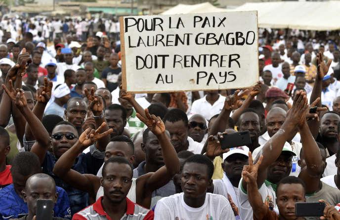 A Abidjan, le 1er février, manifestation de soutien de militants de FPI au retour de l'ancien président Laurent Gbagbo en Côte d'Ivoire.