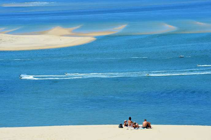 Sur la dune du Pilat, à Teste-de-Buch (Gironde), près du bassin d'Arcachon, le 28 mai.