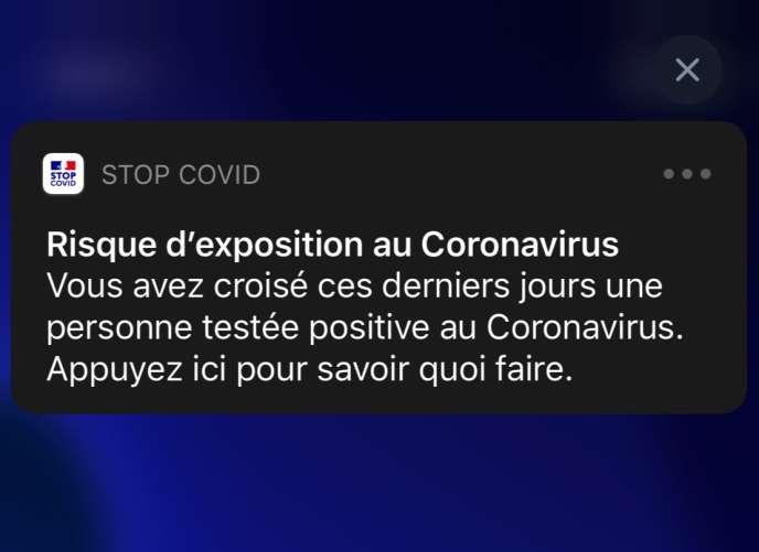 Exemple de notification envoyée par l'application StopCovid, selon les captures d'écran diffusées par le gouvernement français, mardi 26 mai.