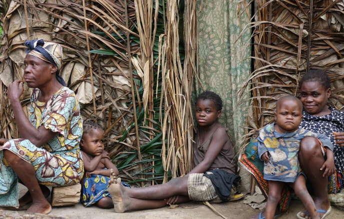 Une famille baka dans le nord du Congo-Brazzaville.
