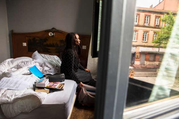Marie a fui Kinshasa avec sa fille Julienne. Elle a enfin trouvé un endroit où se reposer et réfléchir à la suite.