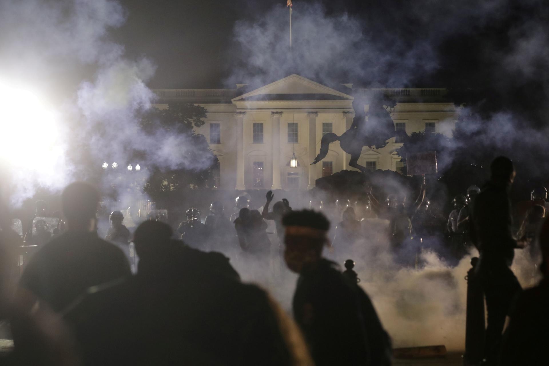 Les manifestations ont continué jusque devant la Maison Blanche, dimanche 31mai 2020,à Washington.