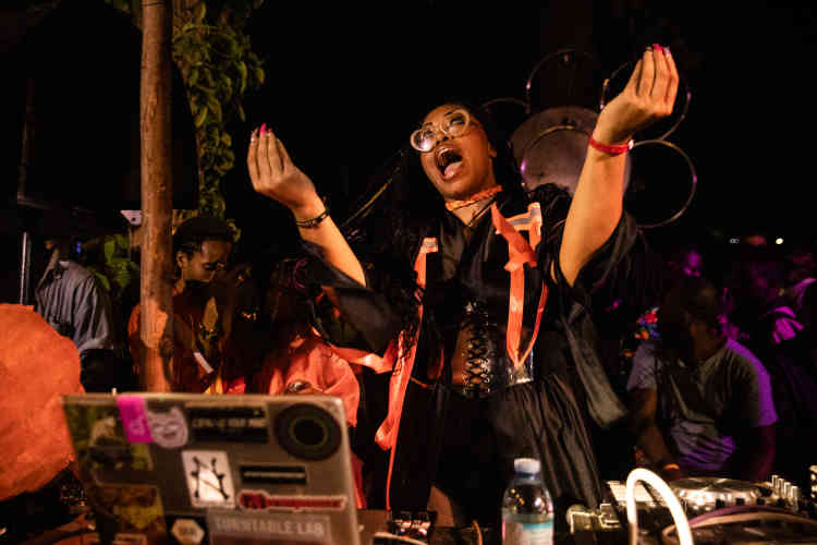 La productrice américaine Suzi Analogue au festival Nyege Nyege, en 2019.