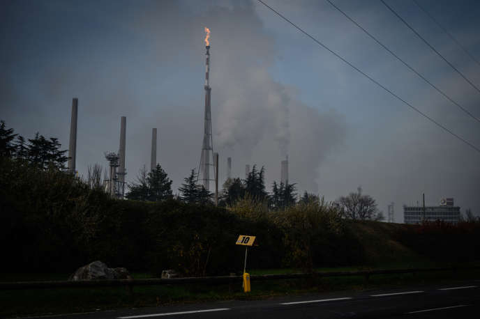 Une raffinerie Total, en décembre 2019 à Feyzin (Rhône).