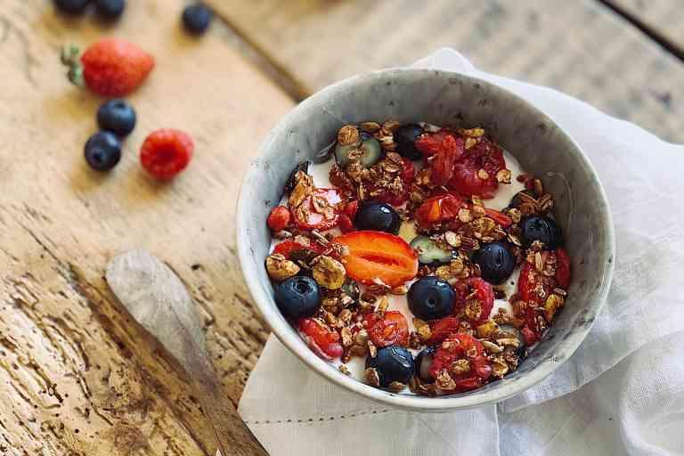 Granola aux fruits rouges.