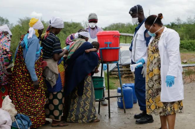 Le Burundi a très tôt fermé ses frontières en raison de la pandémie de Covid-19. Ici, des Burundais à l'arrivée de leur rapatriement de la RDC, le 1er mars 2020.