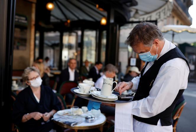 Au Café de Flore, le 2 juin, à Paris.