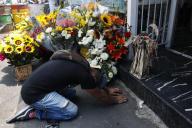 Célébration traditionnelle dela Santa Muerte, à Mexico, alors que le pays déplore plus de 10 000 décès du Covid-19, lundi 1er juin.