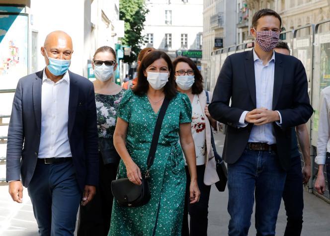 Anne Hidalgo et David Belliard (à droite), le 2 juin à Paris.