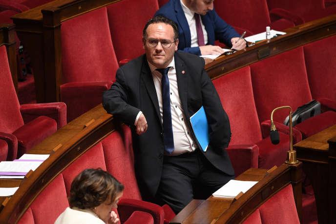 Damien Abad lors du débat suivant la présentation du plan de déconfinement, à l'Assemblée nationale, le 28 avril.