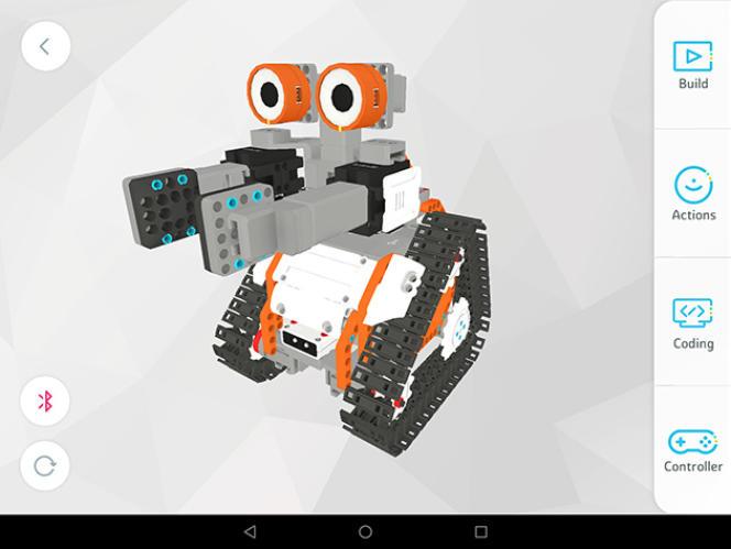 L'application Jimu nous guide durant le montage et la programmation de l'AstroBot avec un parcours d'instructions narratif qui est facultatif, mais ajoute un scénario à l'expérience.