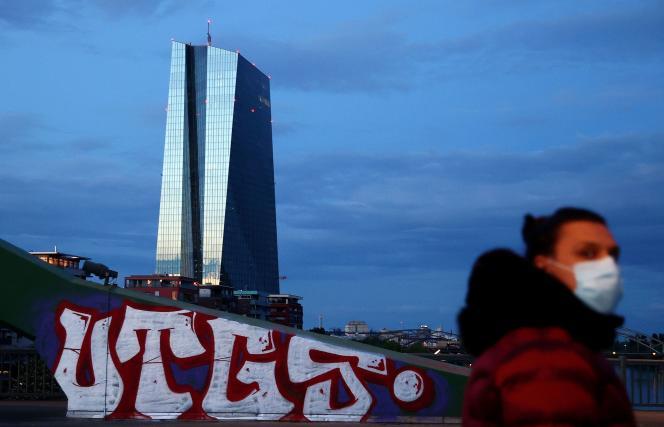Aux abords du siège de la Banque centrale européenne à Francfort (Allemagne), le 29 avril.