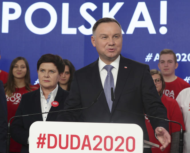Le président polonais Andrzej Duda fait campagne pour sa réélection, à Varsovie, le 19 février.