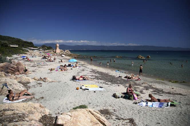 La plage de Terre Sacrée, à Ajaccio, le 21 mai.