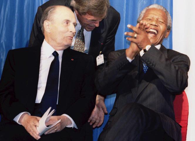 Les présidents François Mitterrand et Nelson Mandela à Johannesburg, le 5juillet 1994.