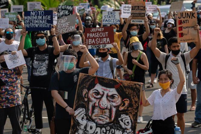 Manifestation contre la nouvelle loi antiterroriste adoptée aux Philippines, le 4 juin à Manille.