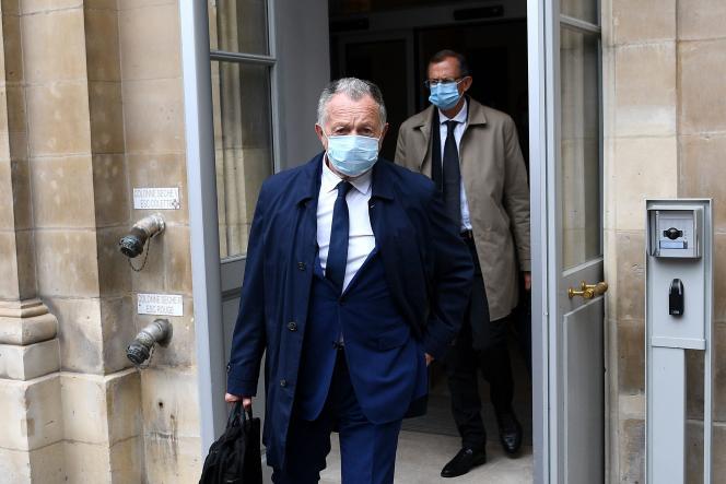 Le président de l'Olympique lyonnais, Jean-Michel Aulas, à Paris, le 4 juin, au sortir du Conseil d'Etat.
