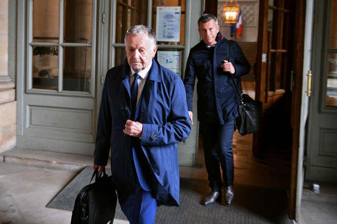 Jean-Michel Aulas quitte le Conseil d'Etat après une audience en référé, à Paris, le 4 juin.