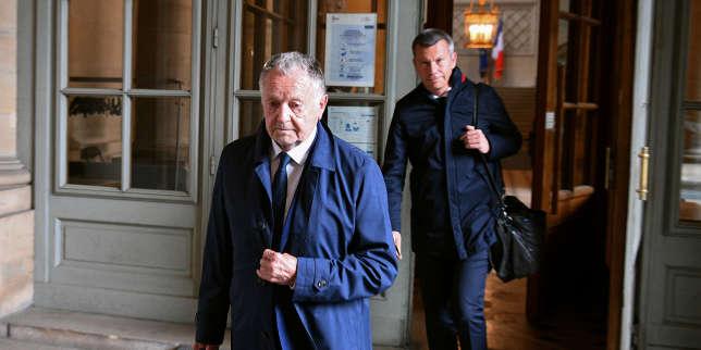 «Bon communicant», «en fin de règne», «isolé»… Jean-Michel Aulas, le président de l'Olympique lyonnais en croisade contre l'arrêt de la Ligue 1