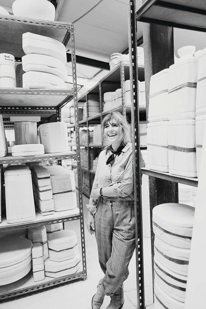 Mary Castel a fondé Maison Fragile qui édite des pièces de Porcelaine à Limoges.