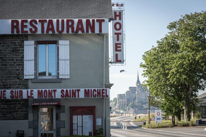 Un hôtel dans la Manche, à proximité immédiate du Mont-Saint-Michel, durant le confinement.